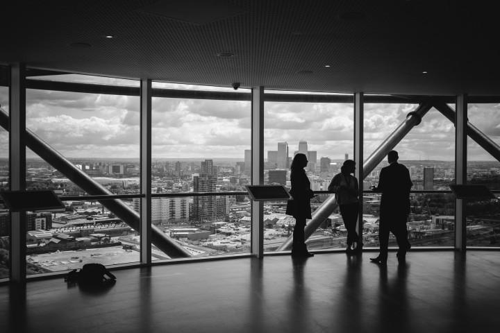 Hostessy na konferencje - dlaczego warto je zatrudnić
