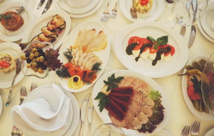 Catering weselny Kraków - zastawa. Gastro Tour Serwis