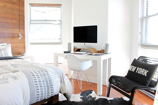 Meble do sypialni w białym kolorze