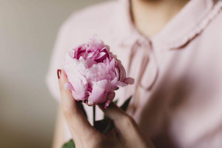 Kobieta z kwiatem. Jazzówki damskie. Ceneo