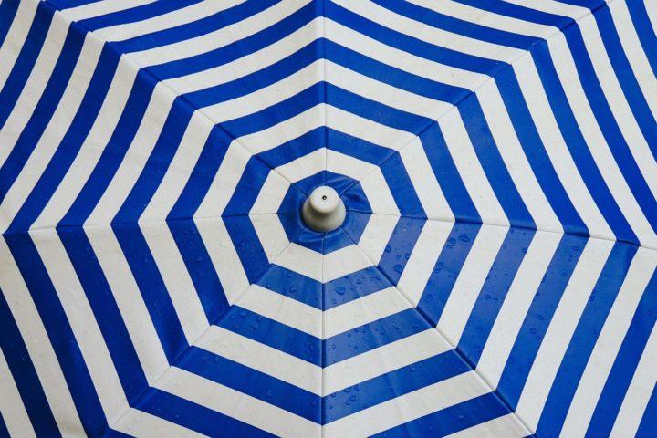 Niebieskie parasole reklamowe. Litex
