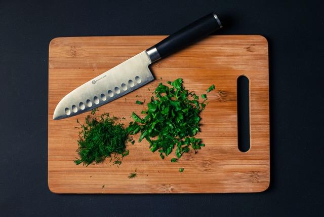 Odpowiednie przybory kuchenne są niezbędne w kuchni