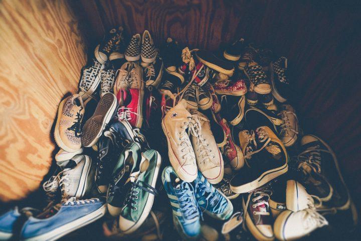 Sneakersy świetnym uzupełnieniem stroju