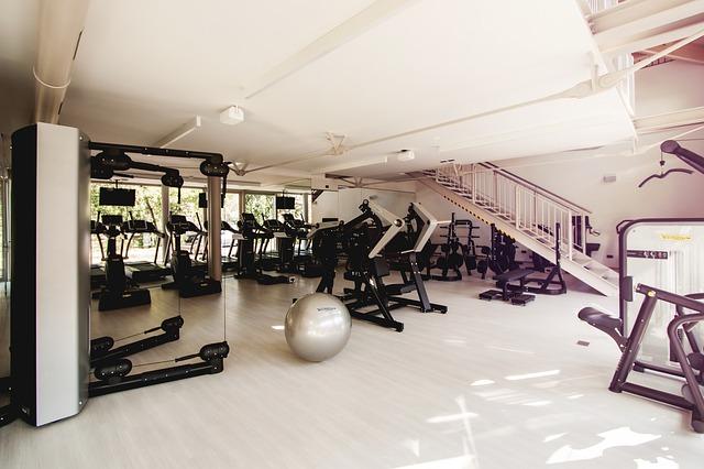 Podłoga do sal gimnastycznych musi być odporna na wysoką wilgotność