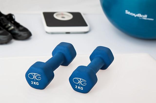 akcesoria fitness dla domowej siłowni