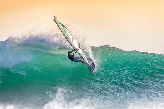Sprzęt potrzebny do uprawy windsurfingu