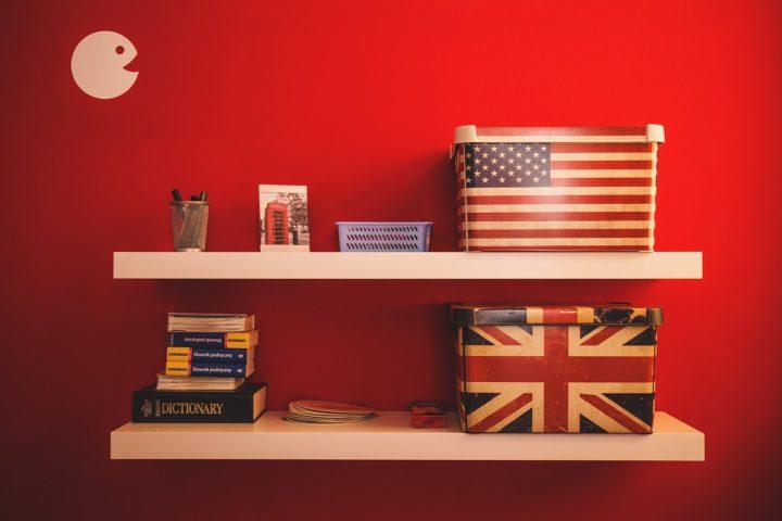 Półki ścienne flaga
