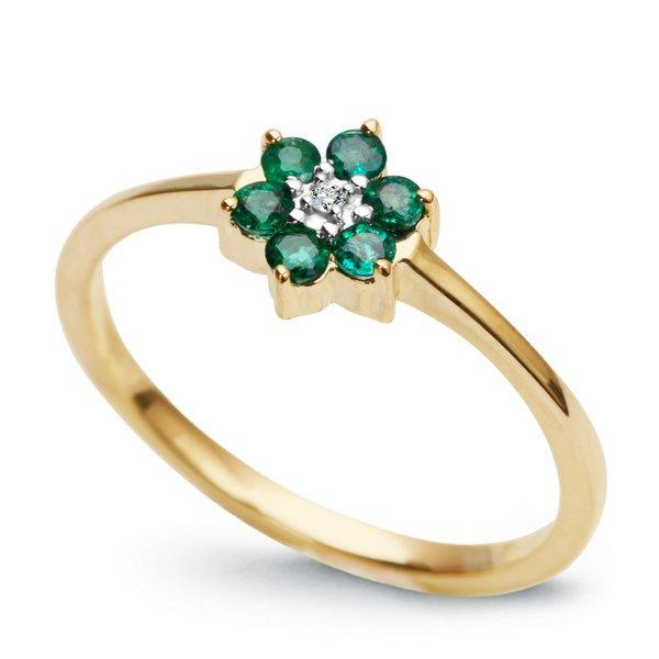 Niezwykły, złoty pierścionek ze szmaragdem będzie spełnieniem marzeń Twojej wybranki