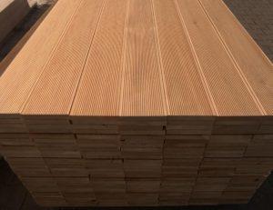 Deska tarasowa z modrzewia syberyjskiego