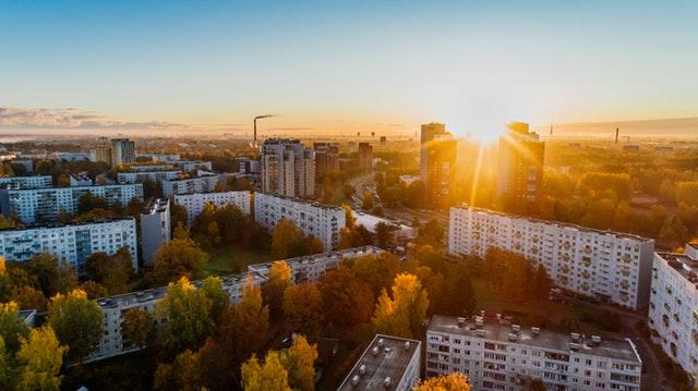 Jak dobrze wybrać administratora nieruchomości w Warszawie?
