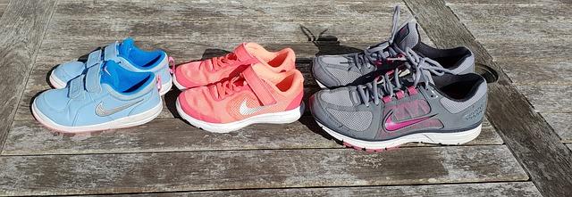 Nike Air Force znajdziesz w wersji damskiej, męskiej i dziecięcej.