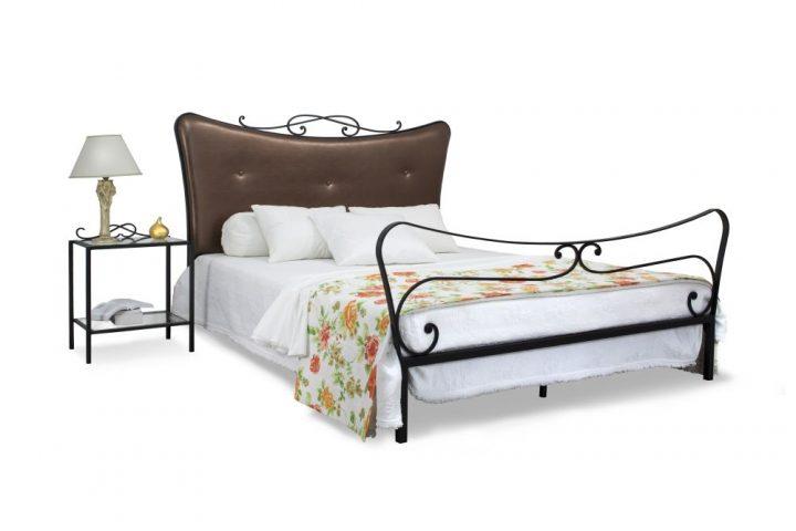 Łóżko podwójne brązowe, duże