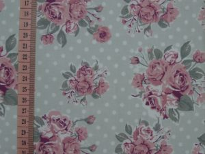 tkanina w róże od Makalele