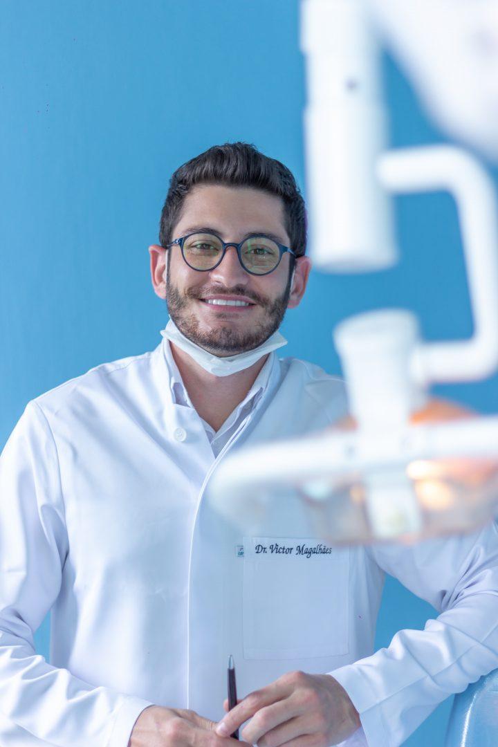 charakterystyka niewidocznego aparatu ortodontycznego