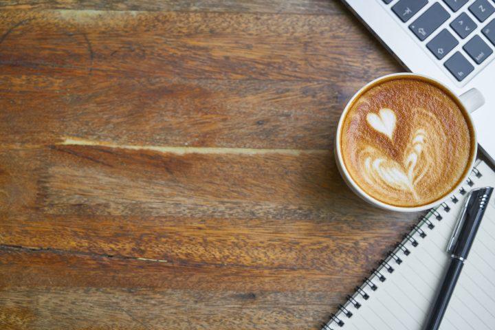 autmatyczny spieniacz do mleka a latte art