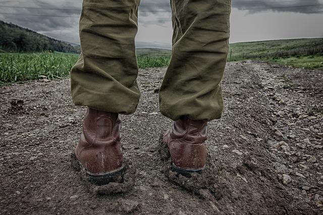 Buty wojskowe przeznaczone do działań w trudnym terenie