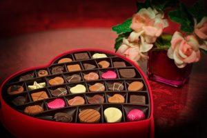 Czekolady batoniki i bombonierki Ritter Sport na Ceneo to szeroki wybór czekoladek i innych słodkości, które świetnie sprawdzą się na prezent