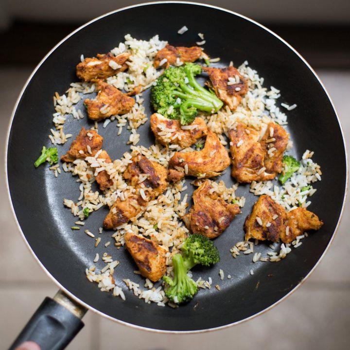 Patelnie grillowe - wygodne rozwiązanie do Twojej kuchni