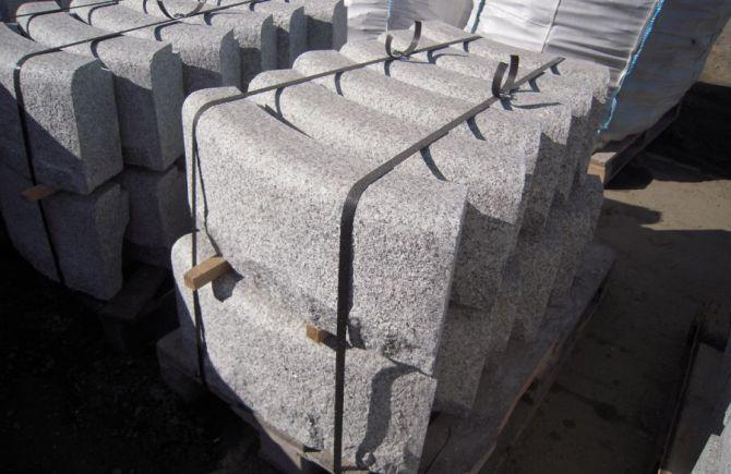 oporniki granitowe - łukowe