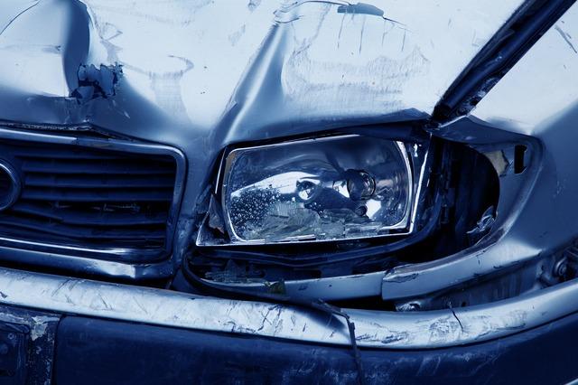 Wypadki samochodowe w Polsce utrudniły już życie niejednemu kierowcy.
