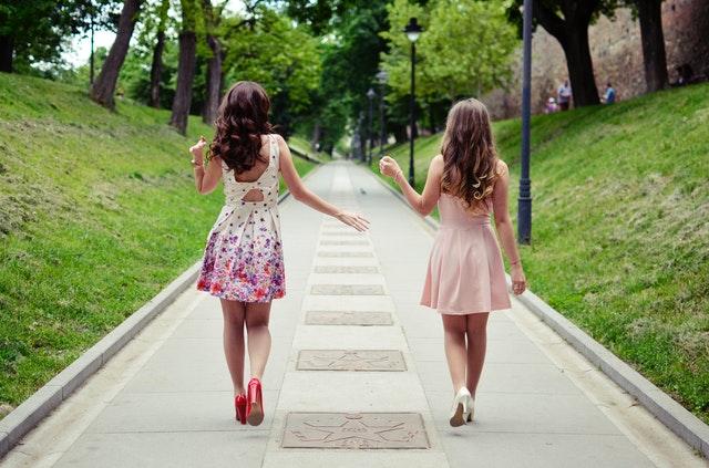 Sukienki na wesele - wybierz idealny model dla siebie!
