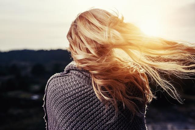 szampony na piękne i błyszczące włosy