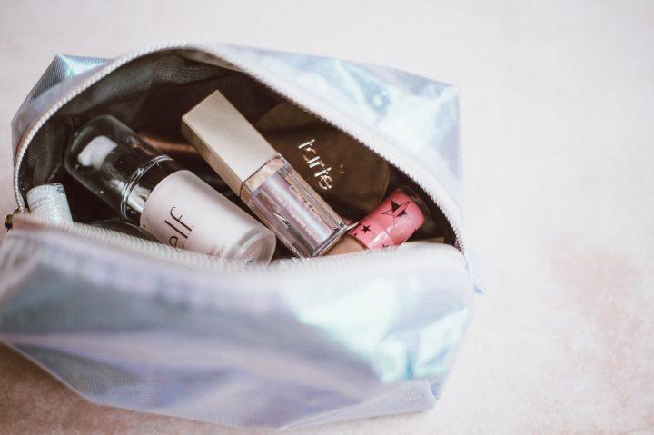 Wybierając kuferki na kosmetyki przede wszystkim powinniśmy zwrócić uwagę na ich zastosowanie, a także wykonanie