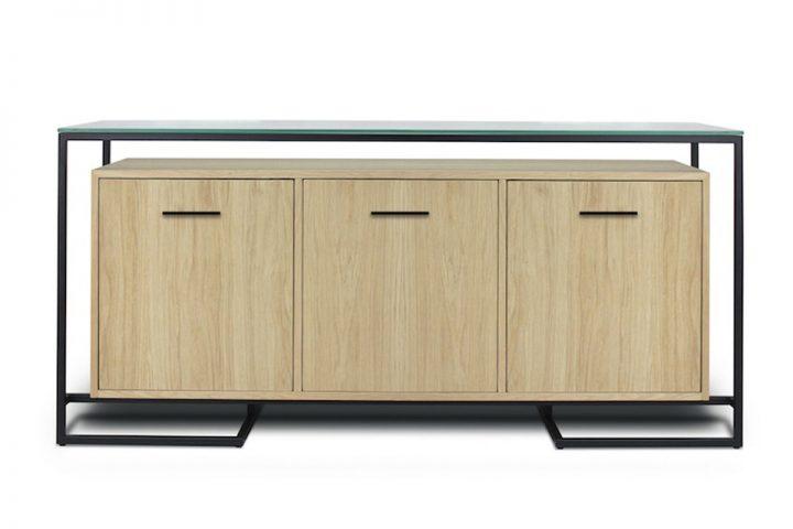 Doskonały sposób na wprowadzenie nieco innowacji do domu to nowoczesny kredens drewniany