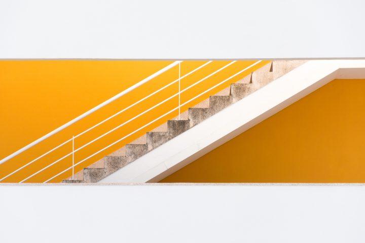 schody drewniane styl drzewa