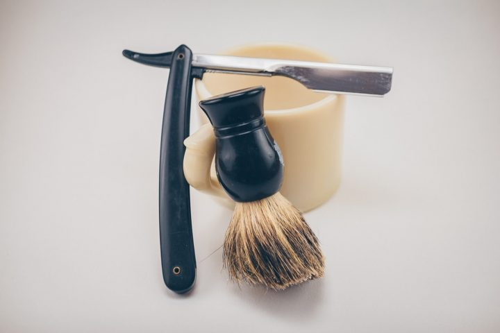 Doskonały stojak na pędzel do golenia